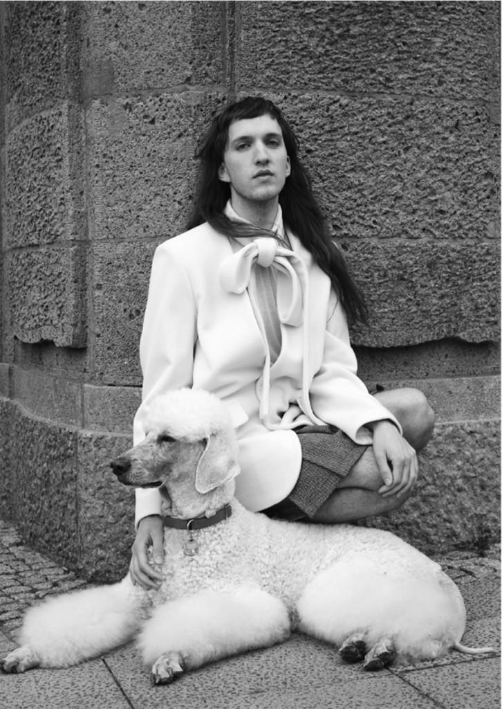 Foto: Steven Kohlstock — Models: Nik Mantilla, Pudel Albert